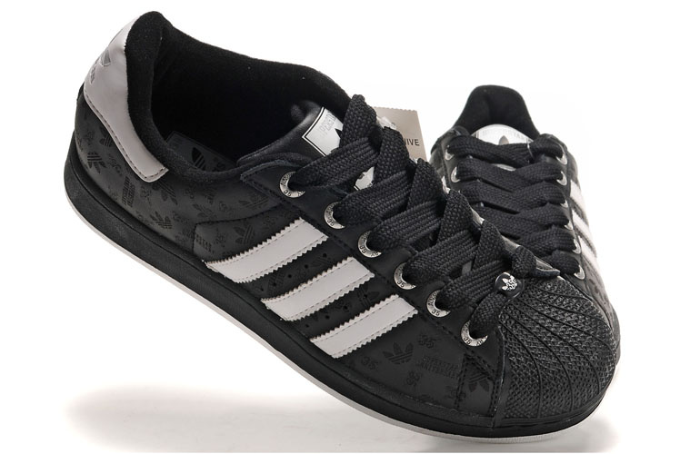 chaussures adidas noires femme